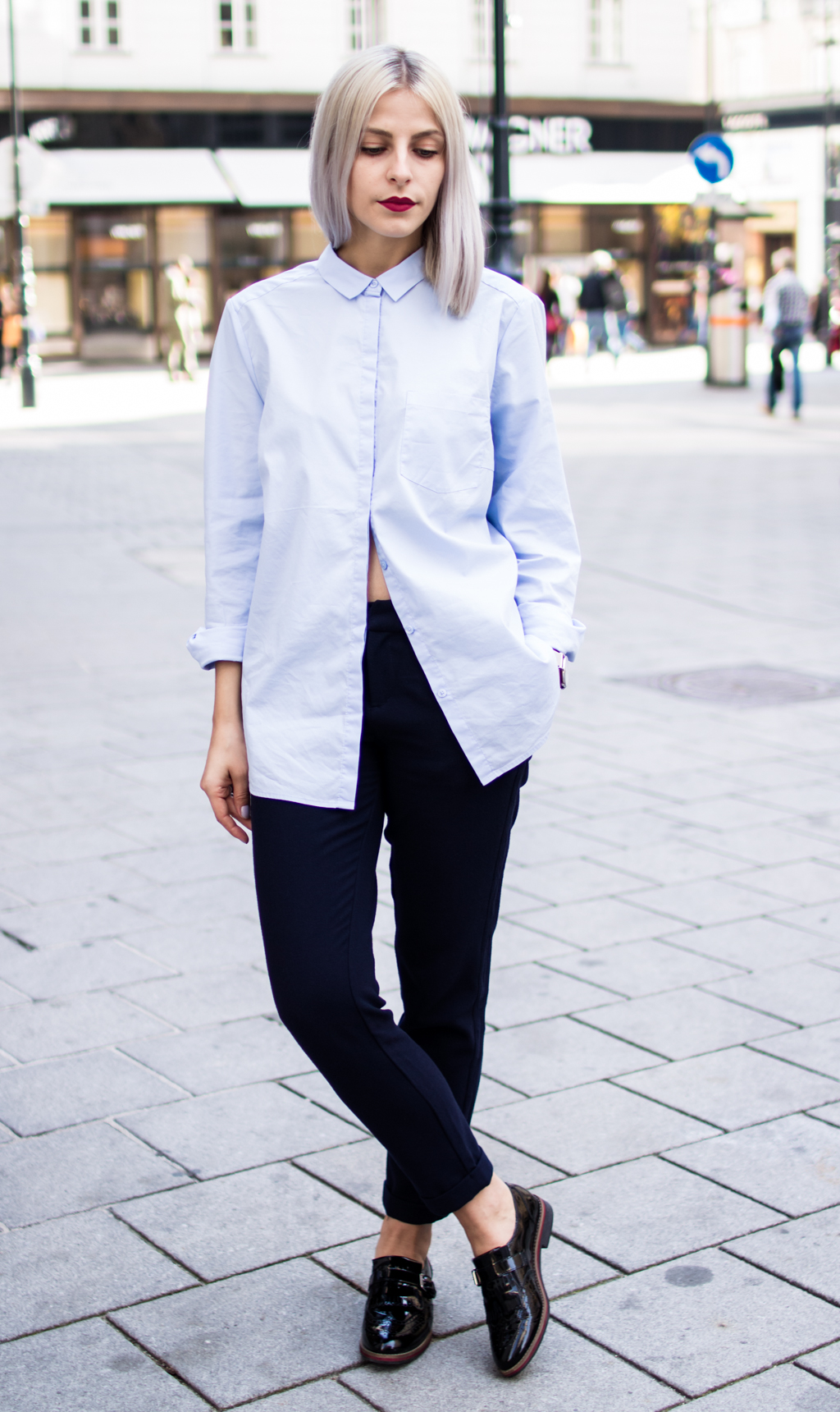 5 Ways to Style Your Oversize Button-Down Shirt | The Cosmopolitas