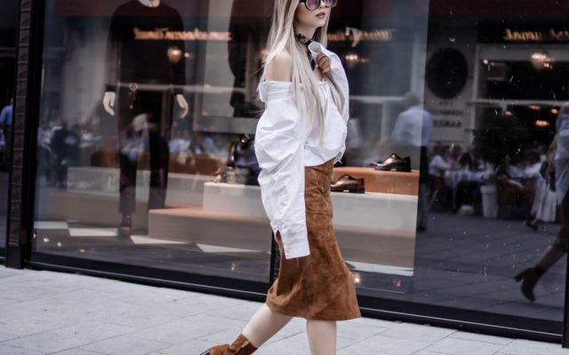Outfit: Oversized Blouse, Suede Skirt, Suede Block Heels