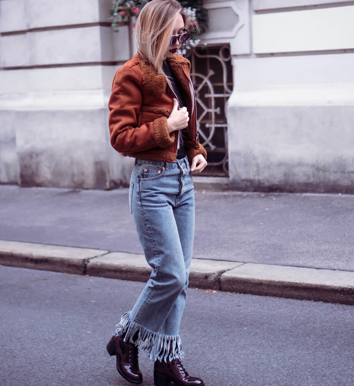 Wie trage ich Jeans mit Fransen
