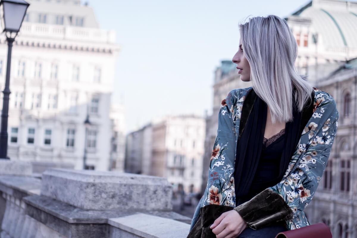 Floral Kimono and Intimissimi Bodysuit