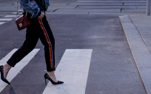 HOW TO WEAR: JOGGER PANTS WITH HEELS