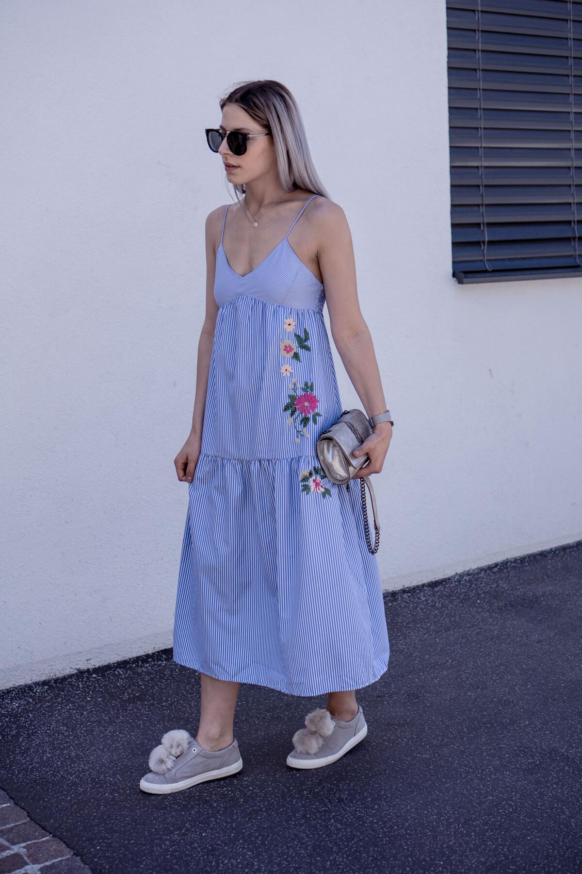 Sommerkleid mit Blumen Timo von The Cosmopolitas