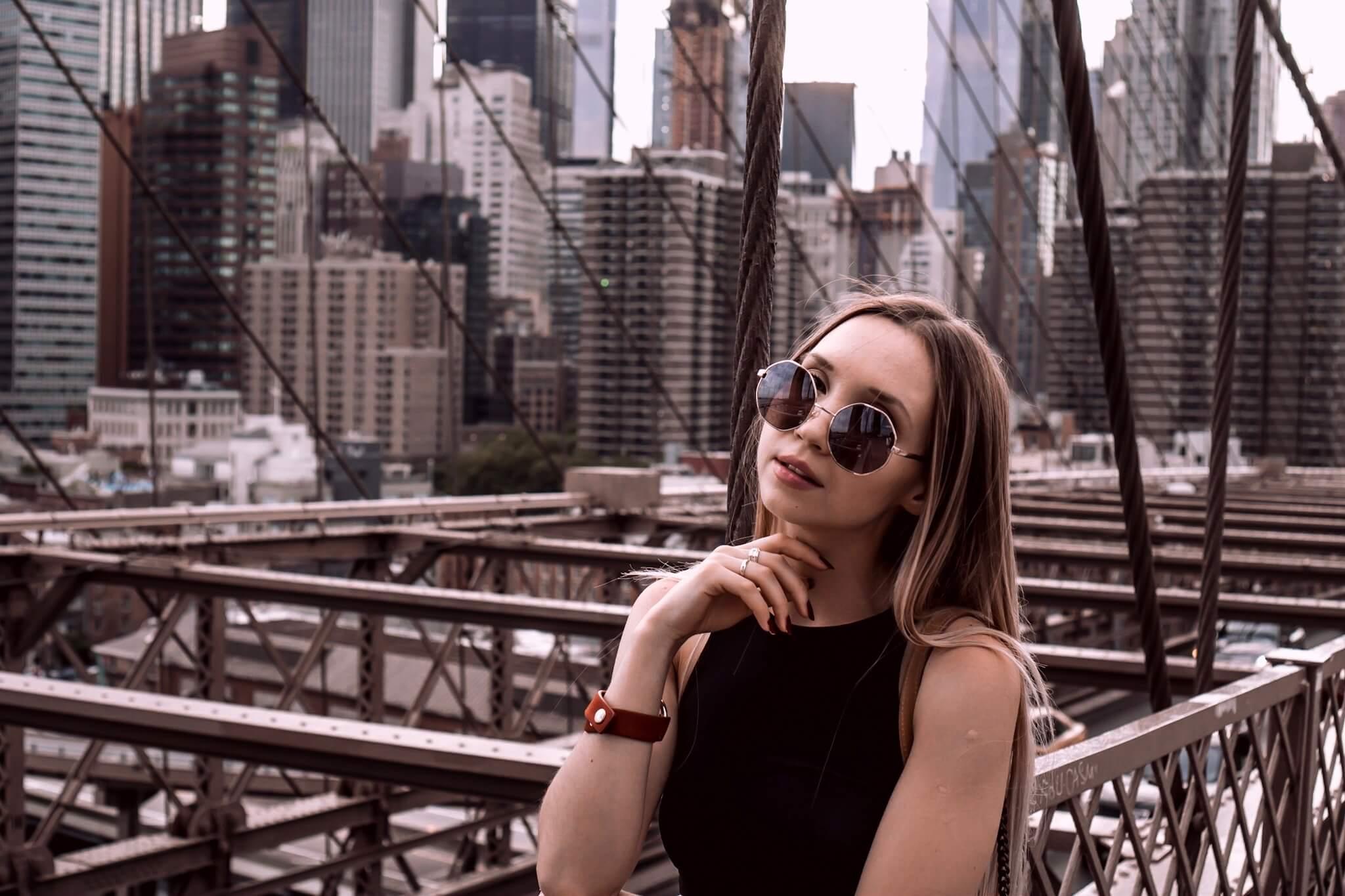Sara The Cosmopolitas Brooklyn Bridge