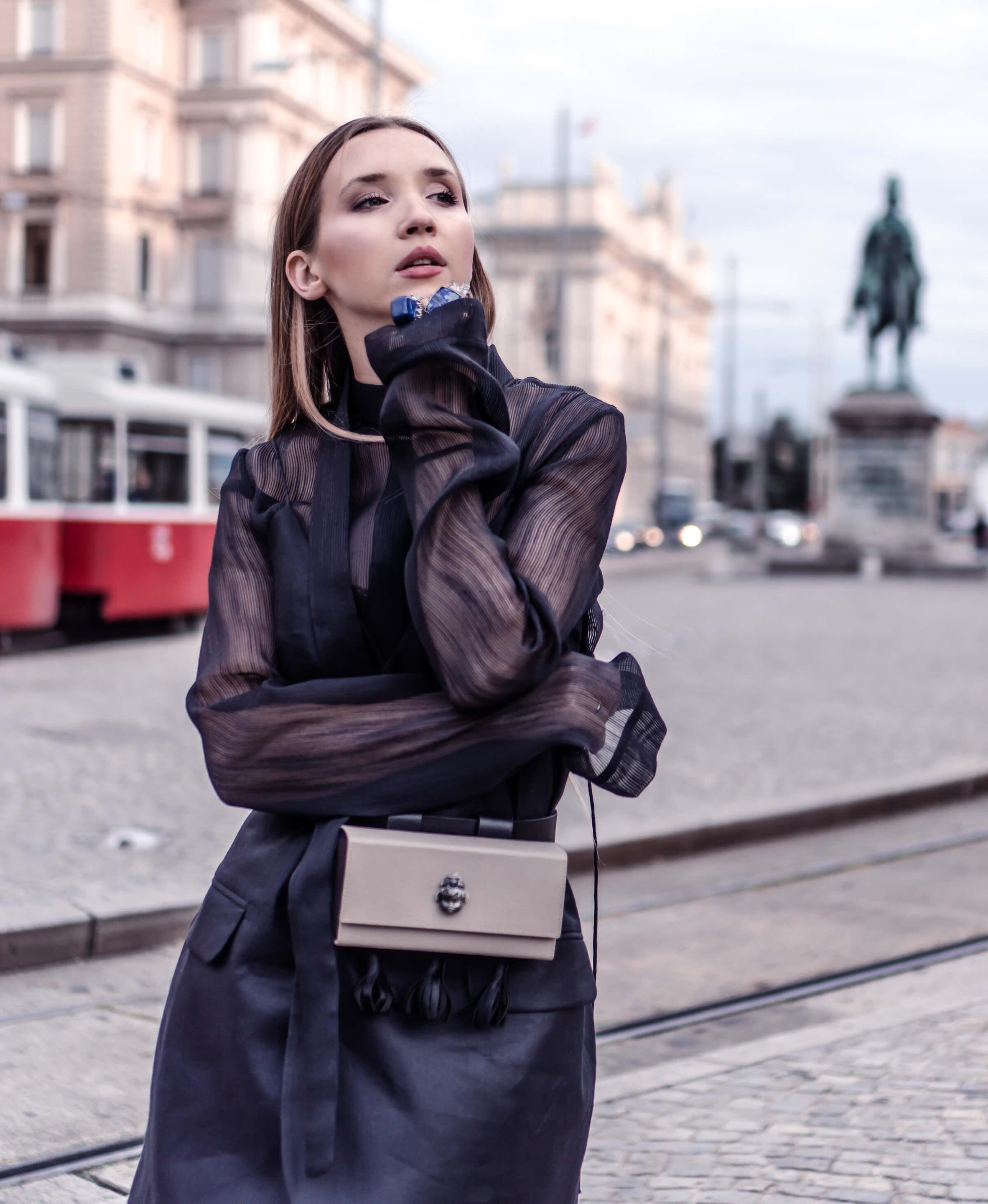 How to Wear a Belt Bag