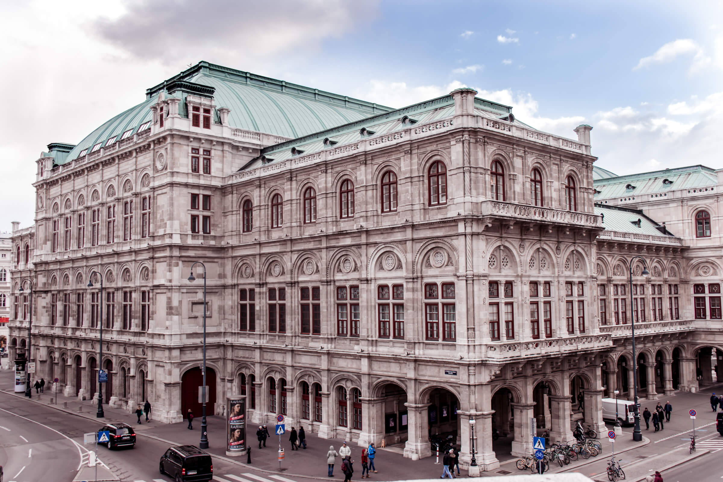 Things you Must Do when in Vienna State Opera