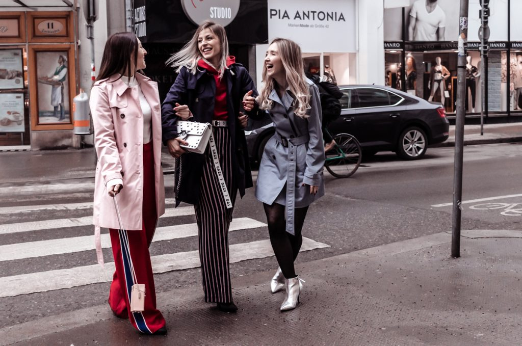3 Ways to Wear a Trench Coat