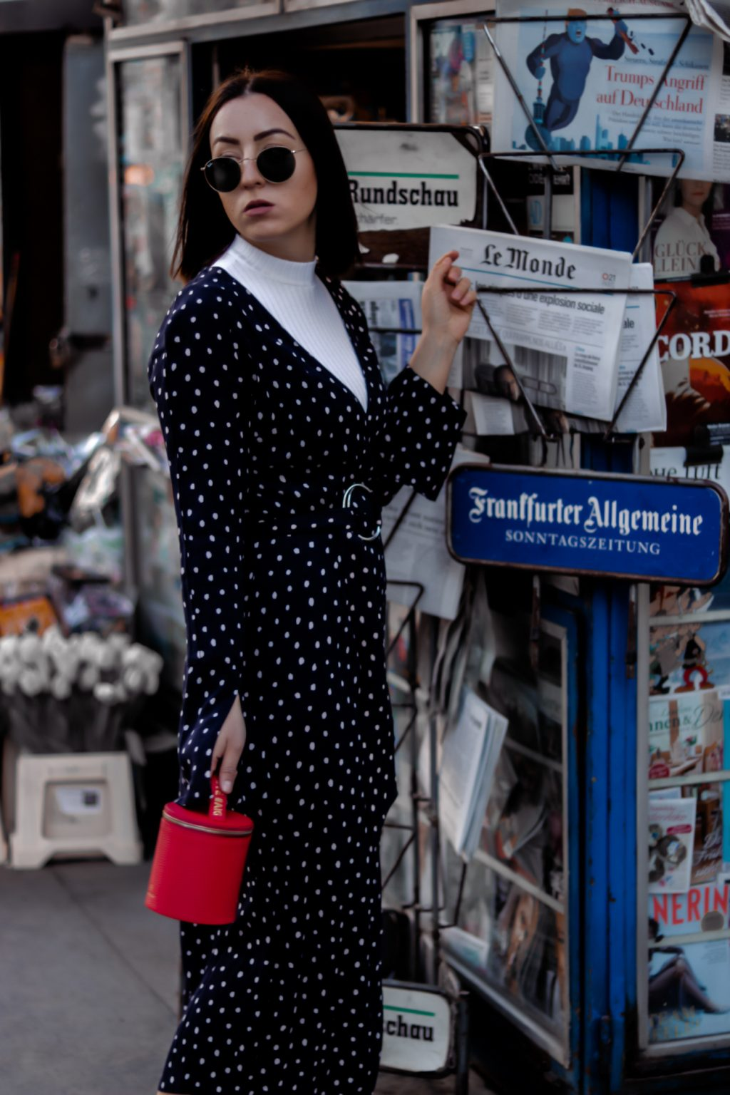 How to style polka dots?