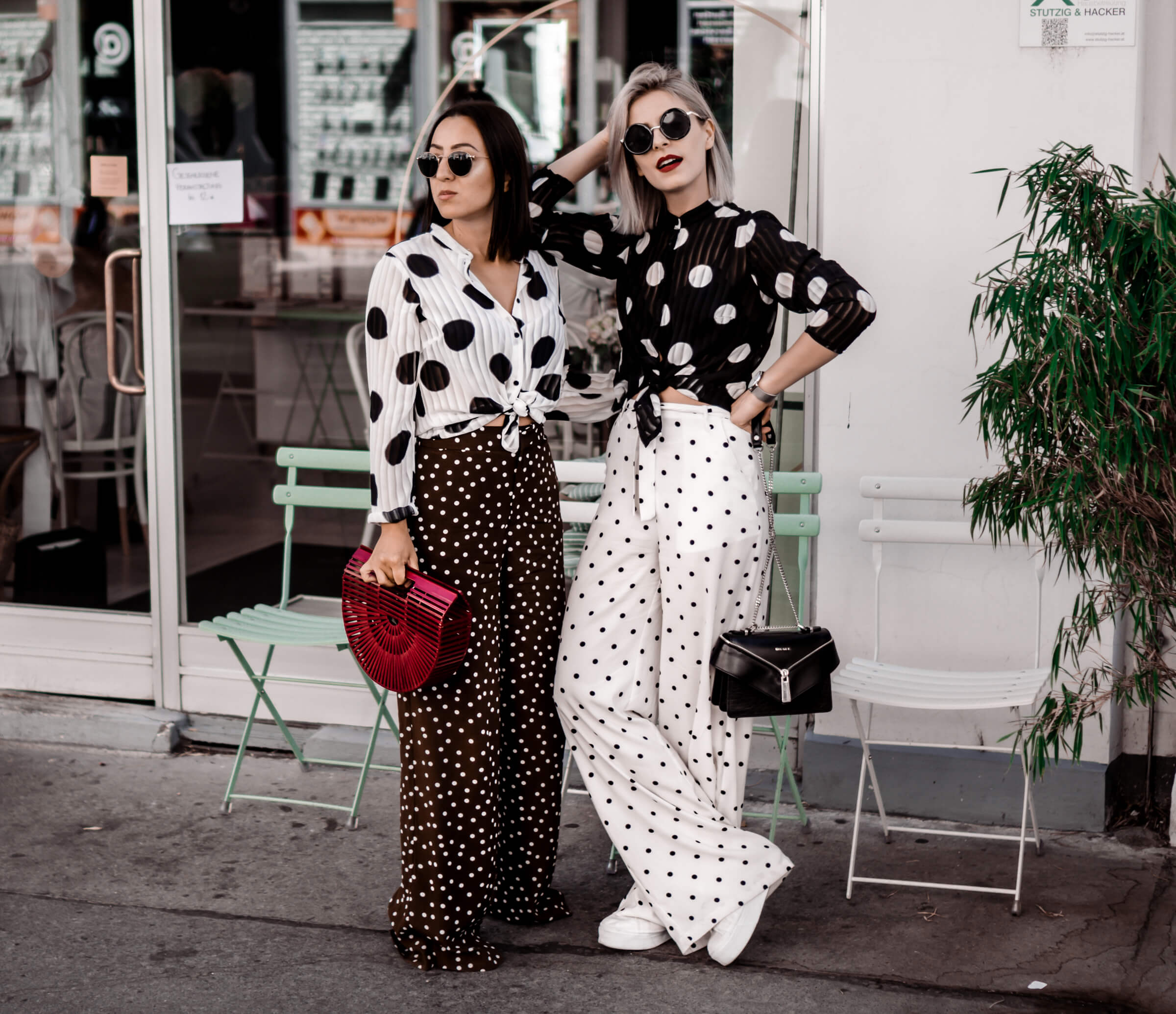 Transparency and dots trend