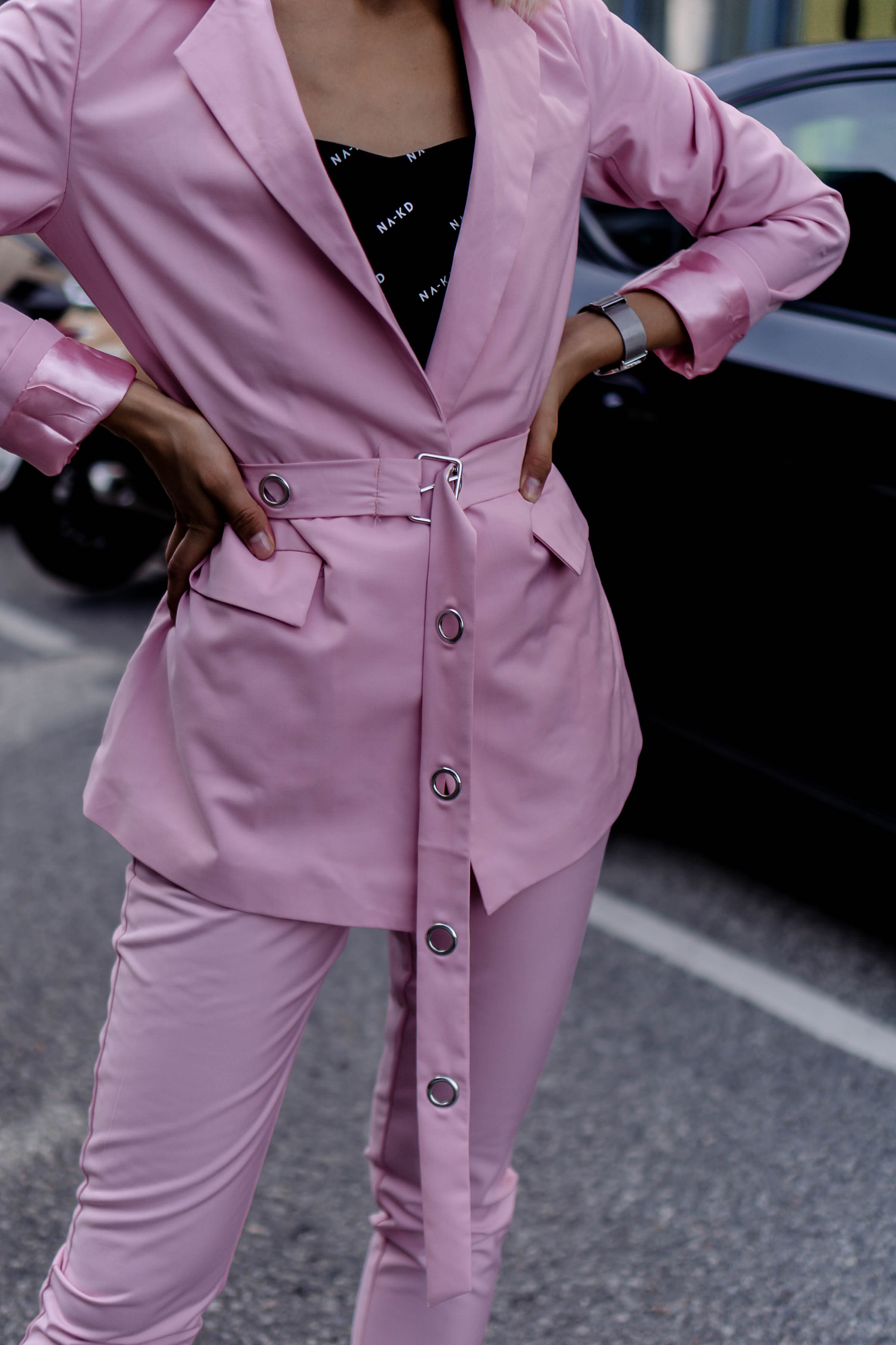 How to wear pink?