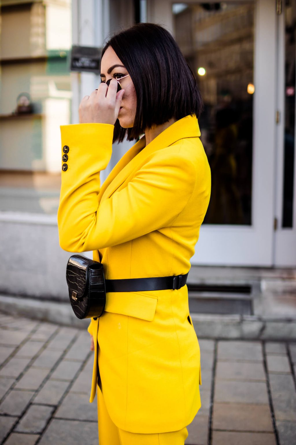 How to wear yellow?