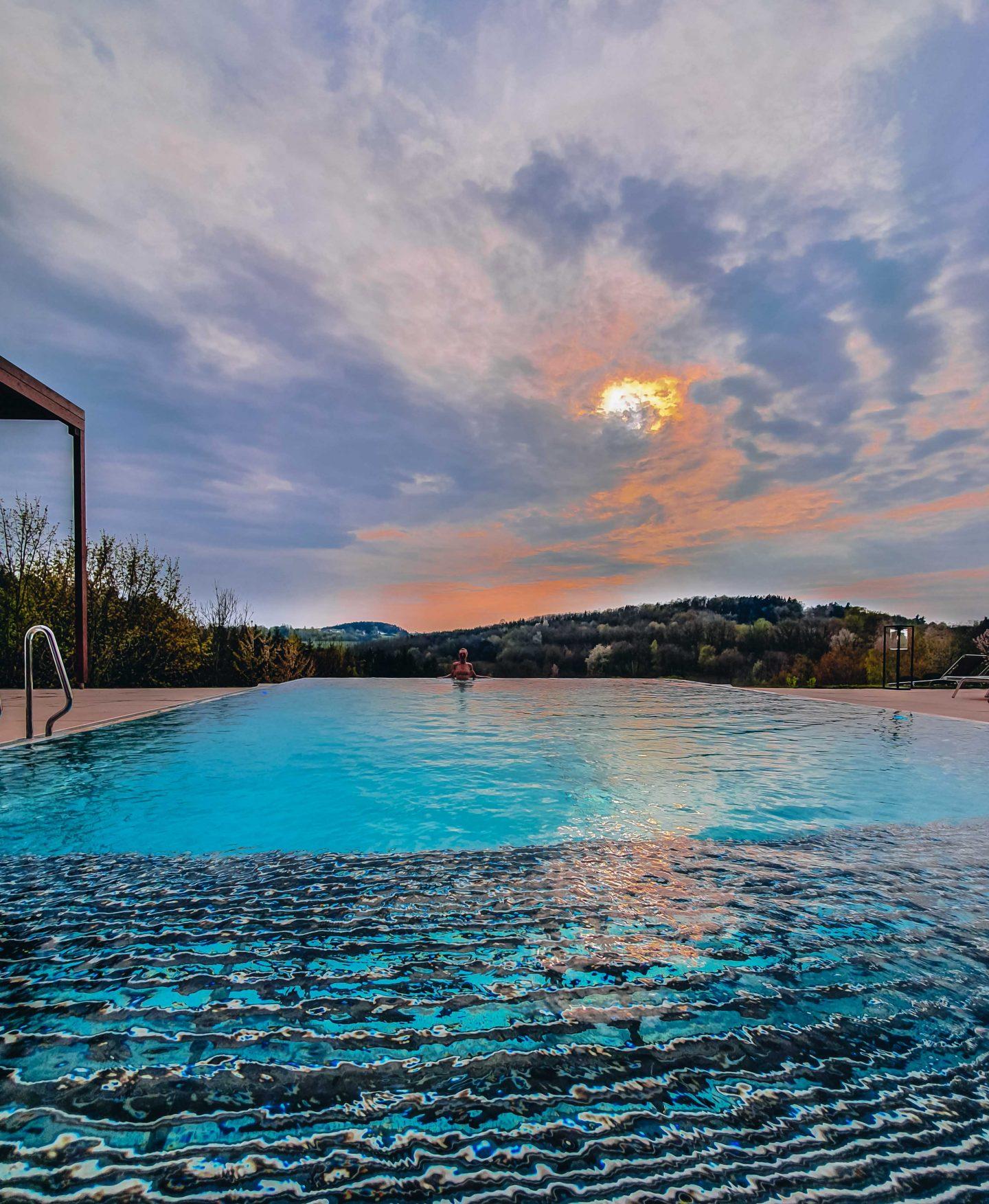 Spa Infinity Pool Stegersbach Falkensteiner