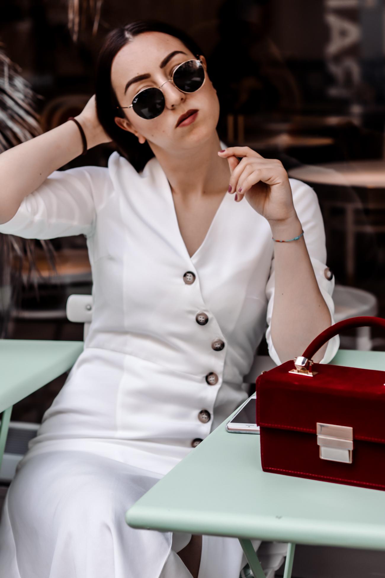 Wie kombiniert man weiße Kleider 2019?