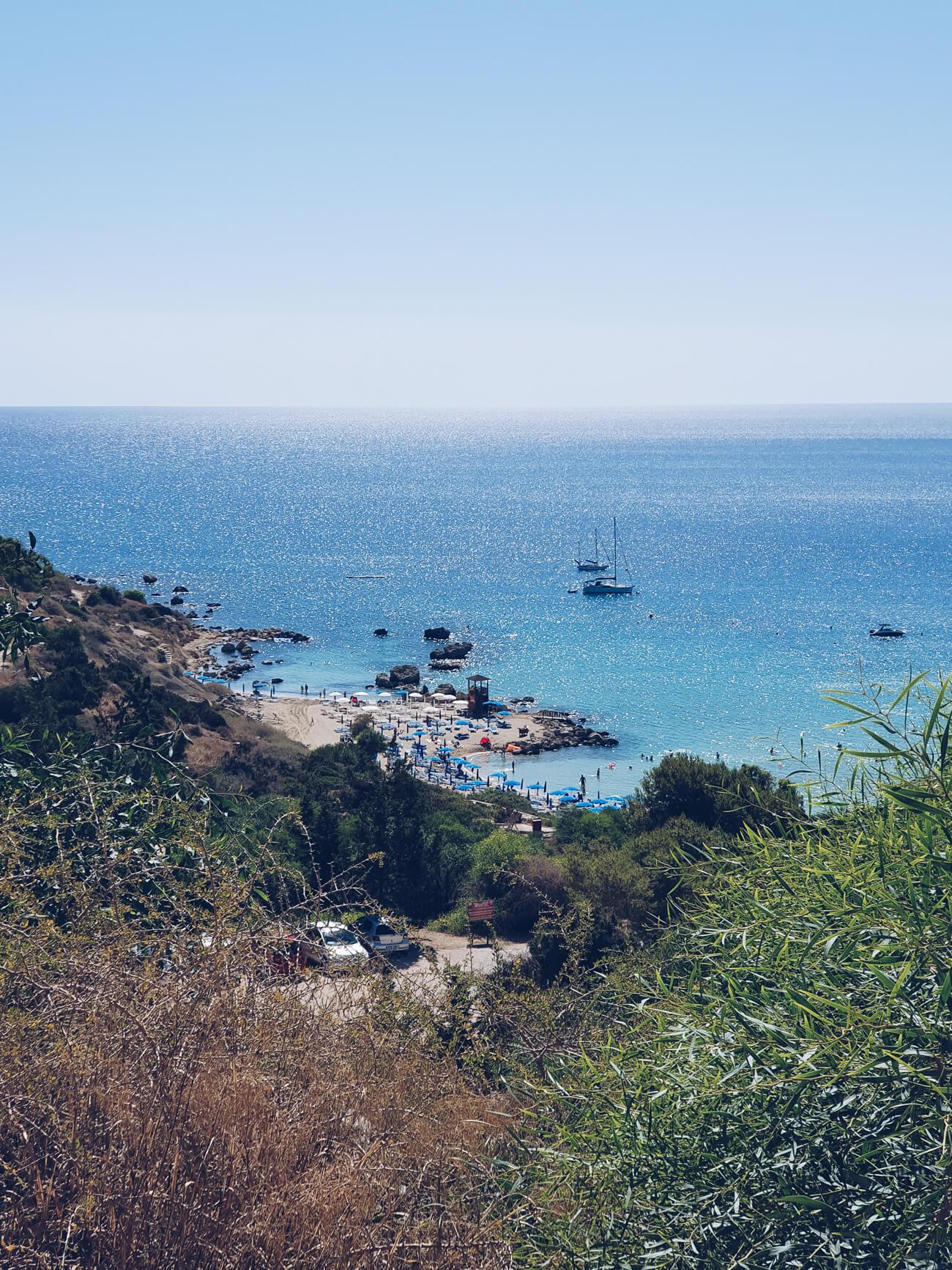 Die Bucht vom Konnos Beach