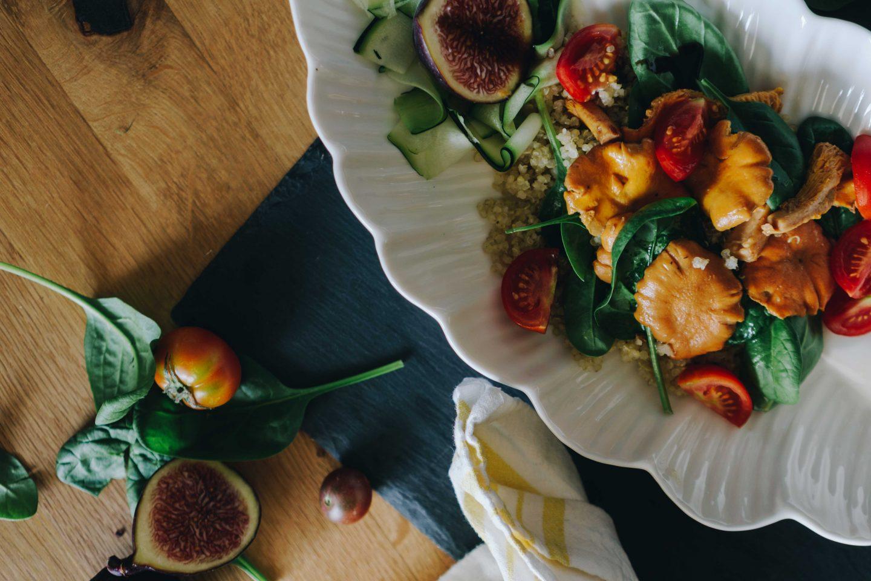 Sommerliche Salate mit Pfifferlingen